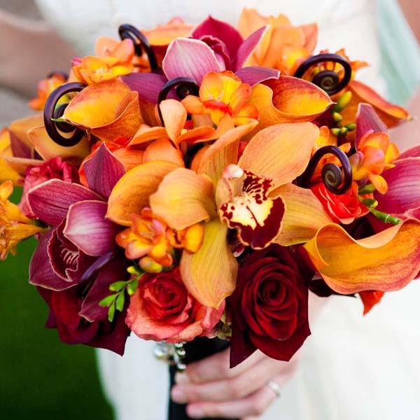 Outdoor November Wedding Flowers: Fall Wedding Bouquets